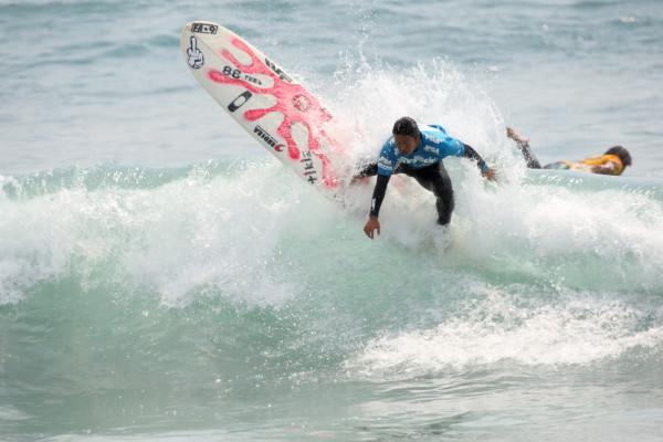 ハワイのプロツアーにも参戦している喜納元輝。R-1からただ一人勝ち上がっている。
