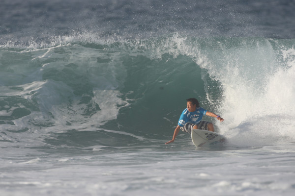 松下諒太。今日の中では、サーフィンを一番楽しんでいた。当然のラウンドアップ。