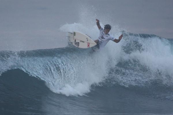 山中海輝。攻めのサーフィンが好評価。スタイリッシュでいいね。