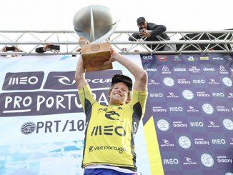 ワールドチャンピオンとなったジョン・ジョン Image: © WSL / Cestari