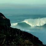 ギャレット・マクナマラがワールドレコードを破る90フィートの波に乗る