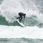サンクレメンテのイアン・クレーンがアメリカとカナダの境にある五大湖でサーフィン?