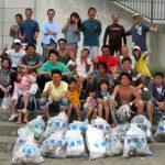 ビーチクリーンで東京のサーフショップが千葉・勝浦市より表彰される。