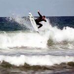 タジとカイ・オットンによるONEセッション。TAJ // KAI- one surf before bells conteset