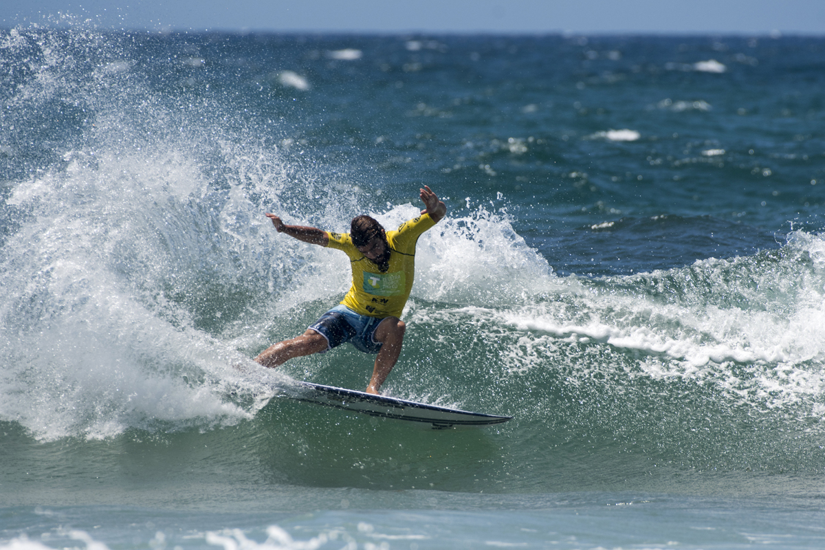 Jayke Sharp slicing at the Telstra Stores Tweed Coast Pro