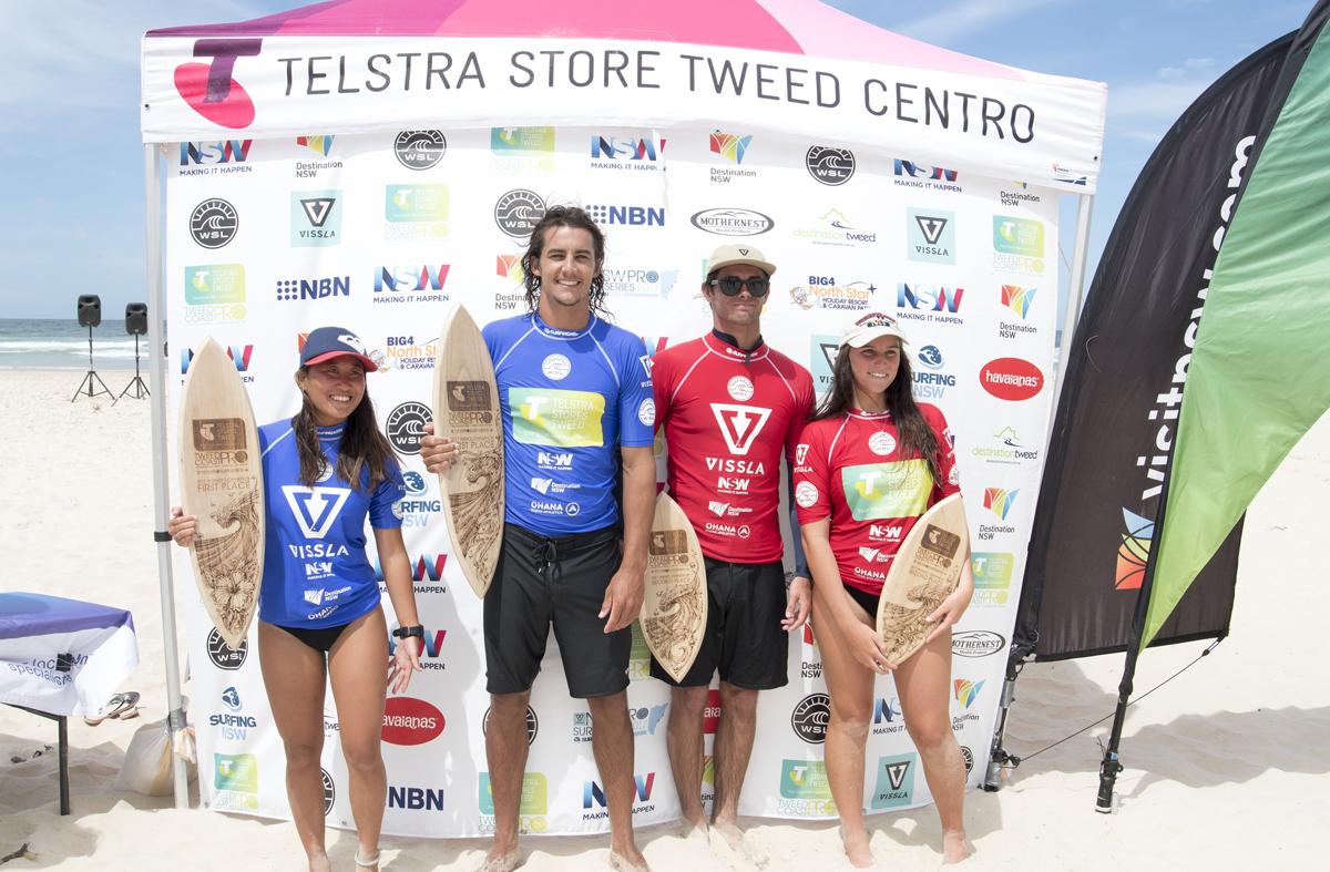 左から優勝した橋本恋、タイ・ワトソン、2位のカム・リチャーズとステファニー・シングルWSL/Bennett