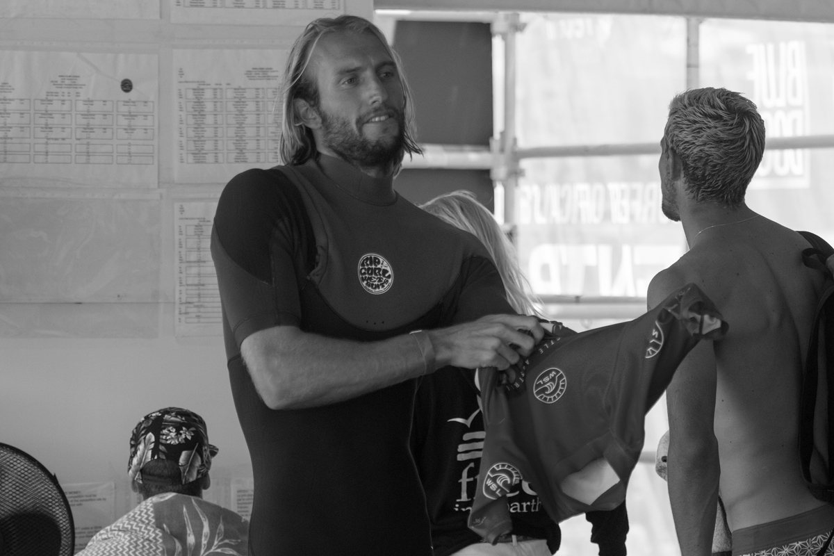 Owen Wright Made his return to competitve surfing at the Maitland and Port Stephens Toyota Pro at Merewether Beach and won his opening Round heat.: WSL/Bennett