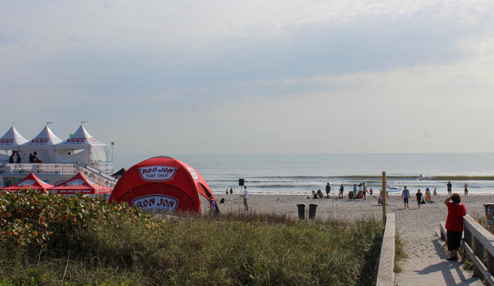 Opening day at the Ron Jon Vans Pro witnessed the Men's QS1,000 power through Rounds One and Two. - WSL / Andrew Nichols