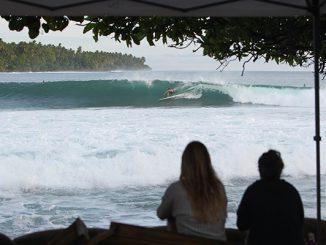 パプアニューギニア、 テュピラのパーフェクション© WSL / Tim Hain