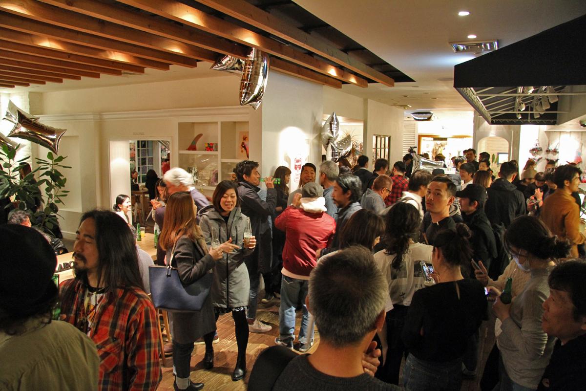 ローンチパーティには多くの関係者が来場した。