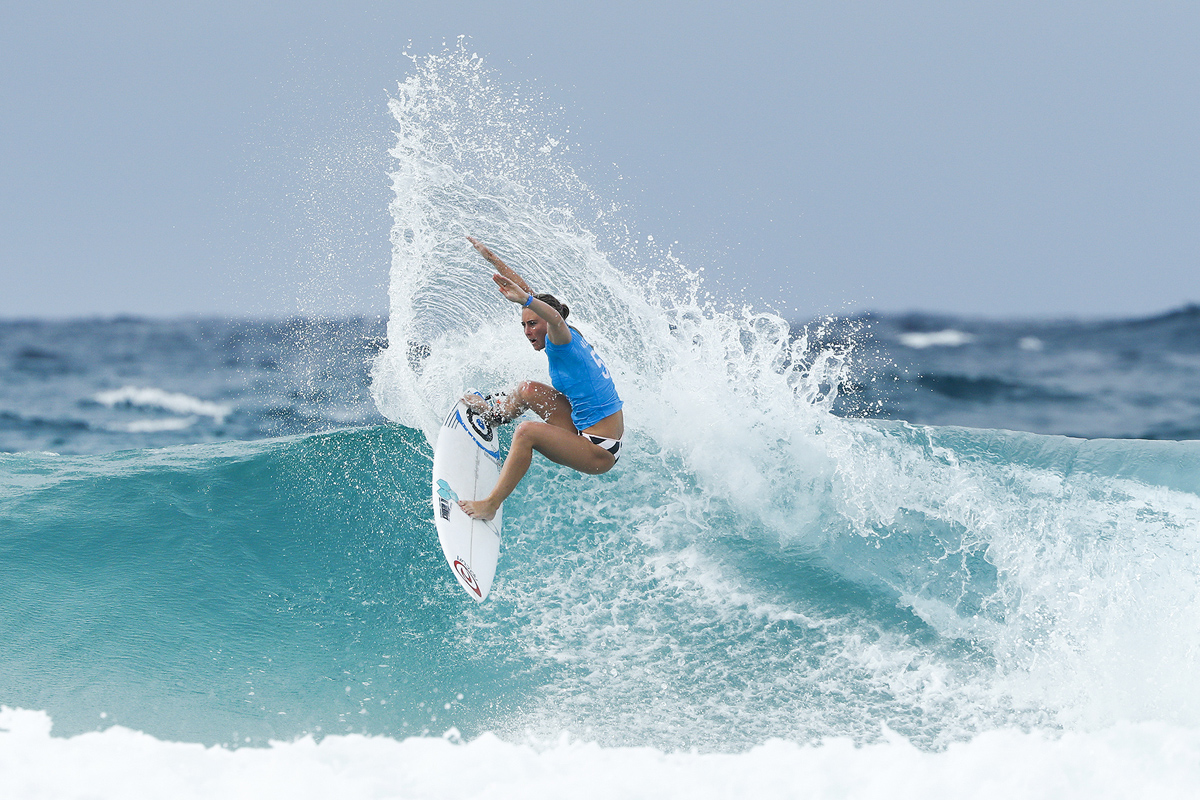 Nikki Van Dijk of Australia winning Heat 3 of Round One at the Roxy Pro Gold Coast, Australia.Credit : © WSL / Sloane