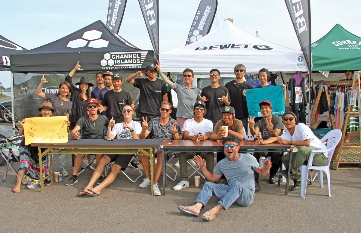 Oakley × Reef × BeWET の3ブランド合同の豪華特別イベント・サイン会が開催。
