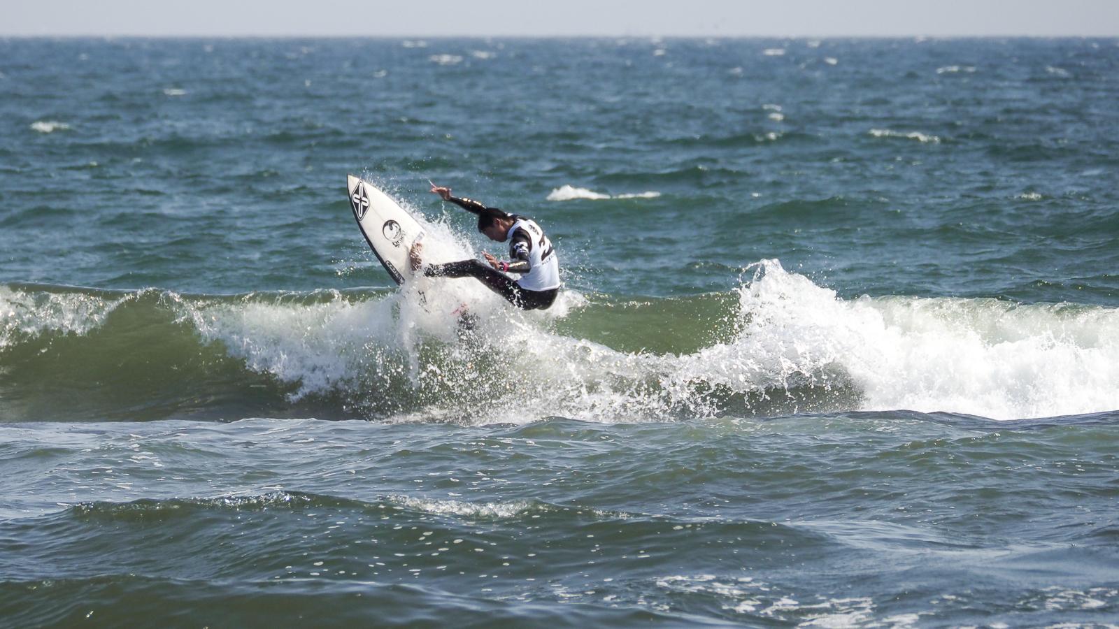 カデット4位の増田来希もラディカルに波を攻めた。