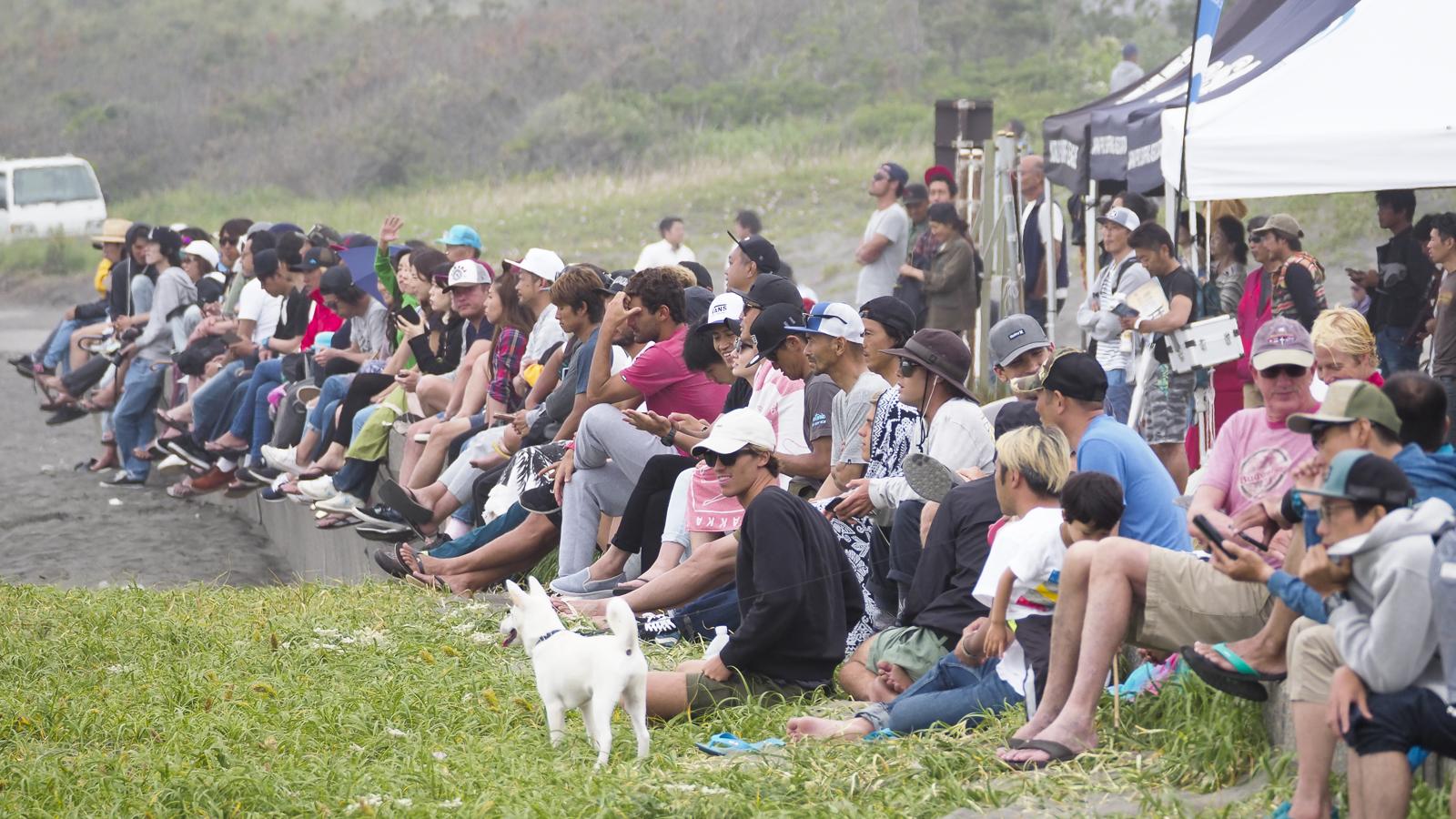 オールスター登場の本日は多くのギャラリーがビーチに詰めかけた