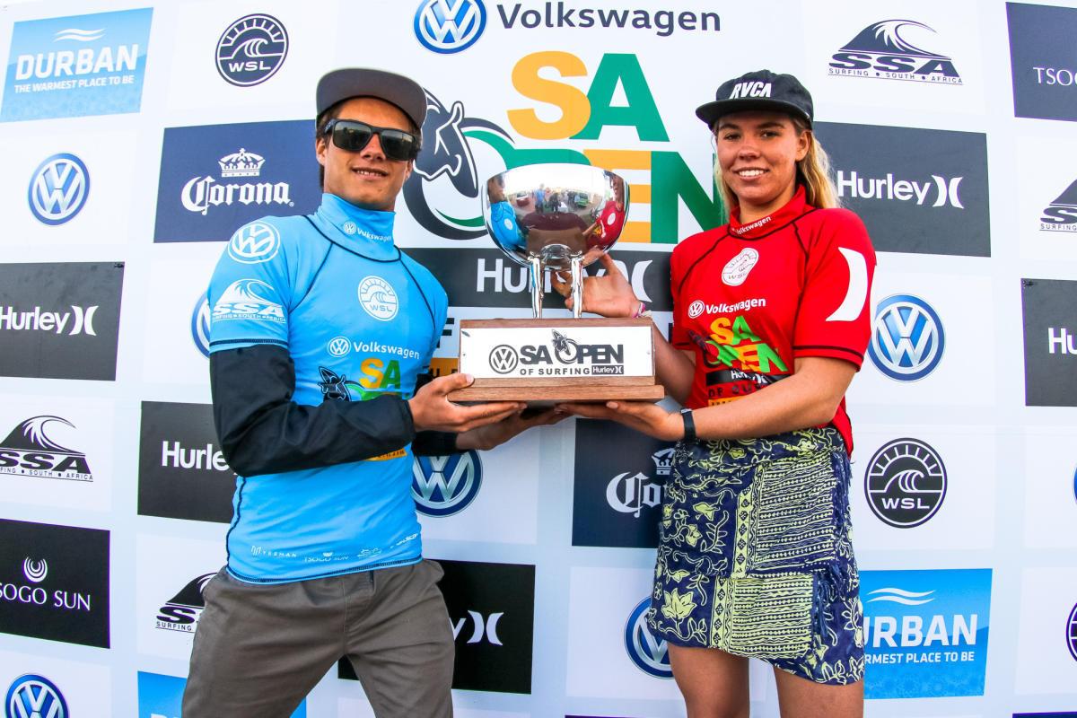 ジュニアで優勝したマテウス・ハーディとゾーイ・マクドゥーガル