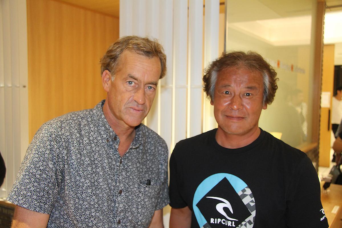 レオのお父さんDEEP SURF稲葉さんもトム・カレンと