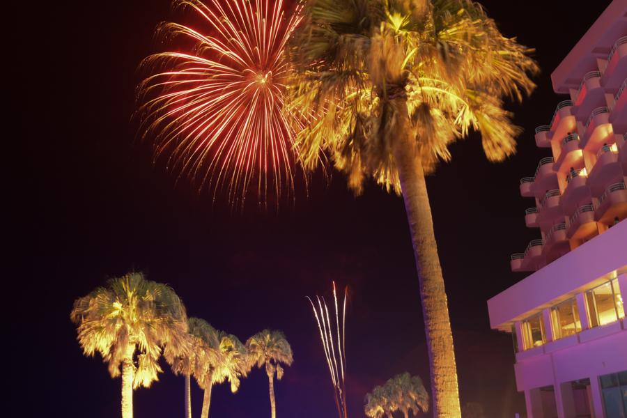 昨夜のウェイルカムパーティでは花火も打ち上げられた。