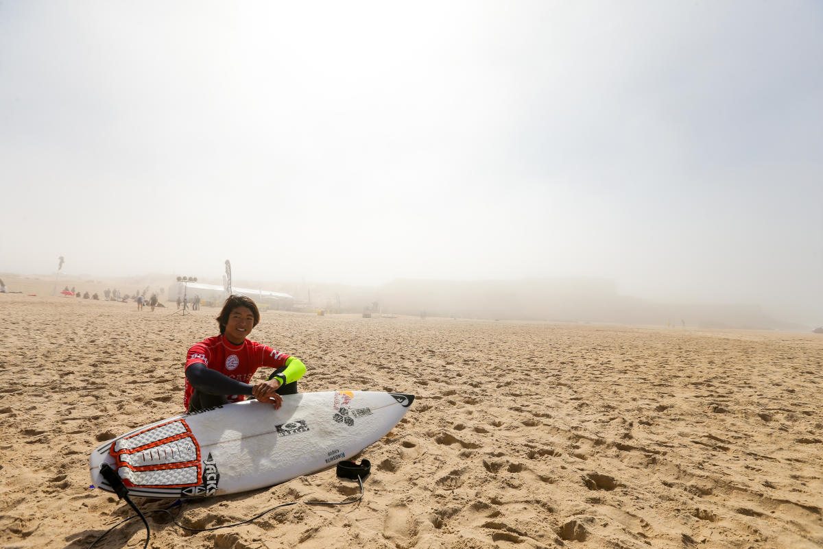 霧が晴れるの待つカノア  WSL/MASUREL