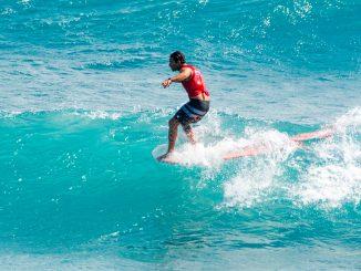 2009年と2011年に世界第2位となったハワイのカイ・サラス(HAW)。今季もベスト・ポジションで初のロングボード・タイトル獲得を目指す。