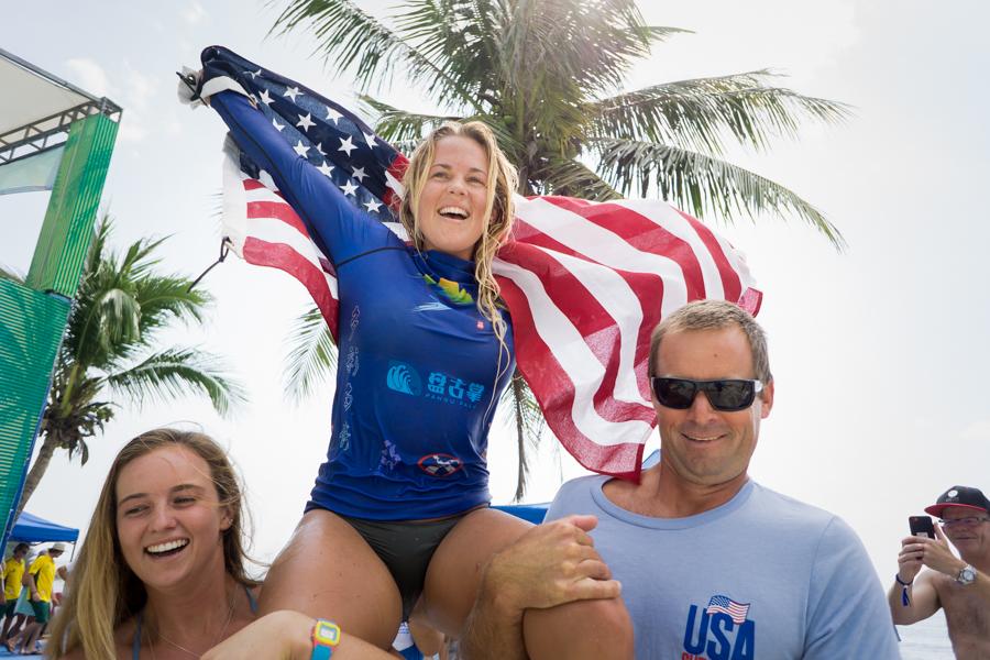 優勝したトリー・ギルカーソン(USA) 浜瀬海。Photo: ISA / Sean Evans