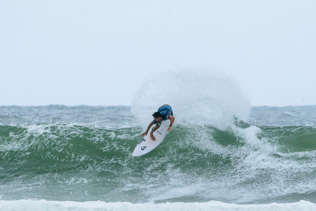 圧倒的なバックハンド・サーフィンを見せて1位で勝ち上がったコナー・オリアリー(AUS)PHOTO:(C) WSL / Sloane