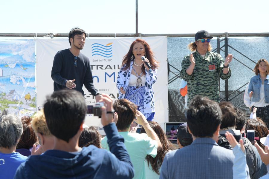 荒天予想のため、残念ながら中止となった「NISSAN X-TRAIL PRESENTS SURF IN MUSIC」大黒 摩季さんが登場してみんなでアカペラ「ららら」を熱唱