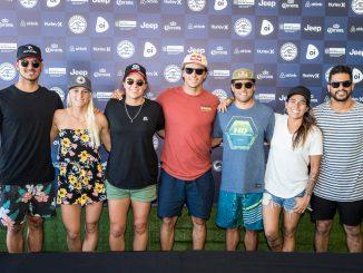 記者会見に登場したメディーナ、タティアナ、タイラー、ジュリアン、デスーザ、リマ、フェレイラ。Credit: © WSL /  Poullenot