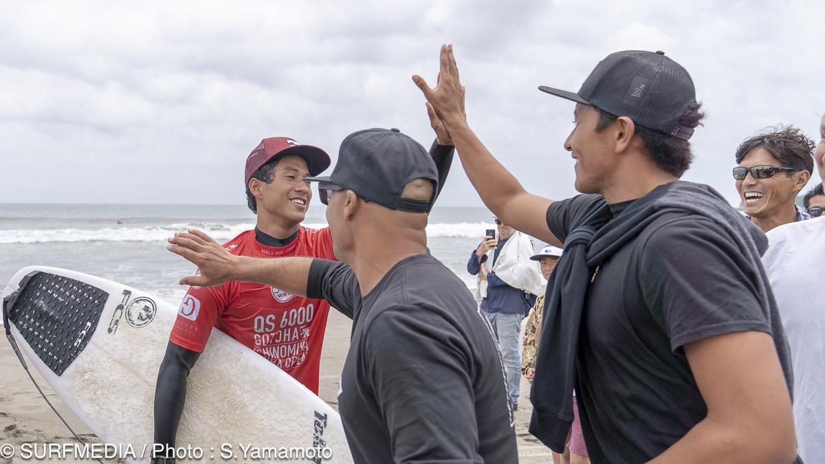 ハワイチームがセスの大応援団を結成