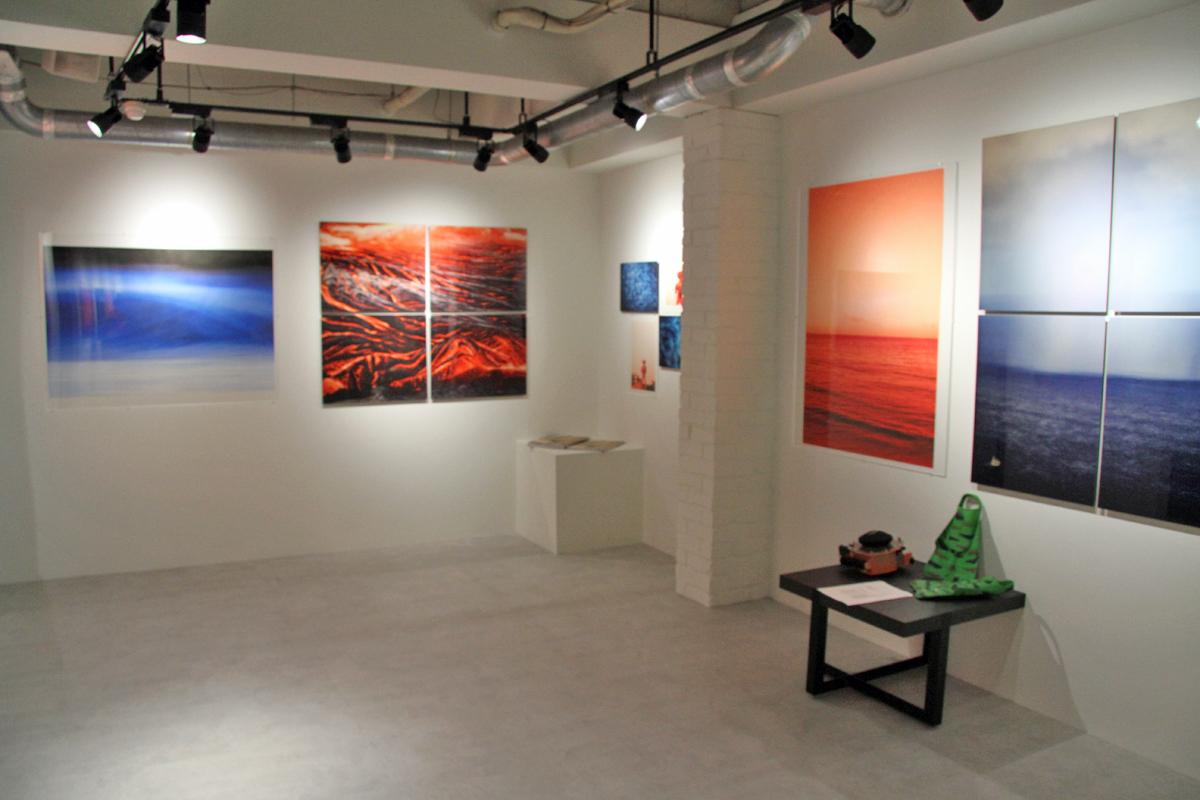 2Fのギャラリースペースにはアートが展示