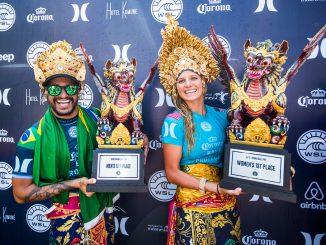 優勝したレイキー・ピーターソンとイタロ・フェレイラは仲良くランキングトップへ。 Credit: © WSL / Cestari