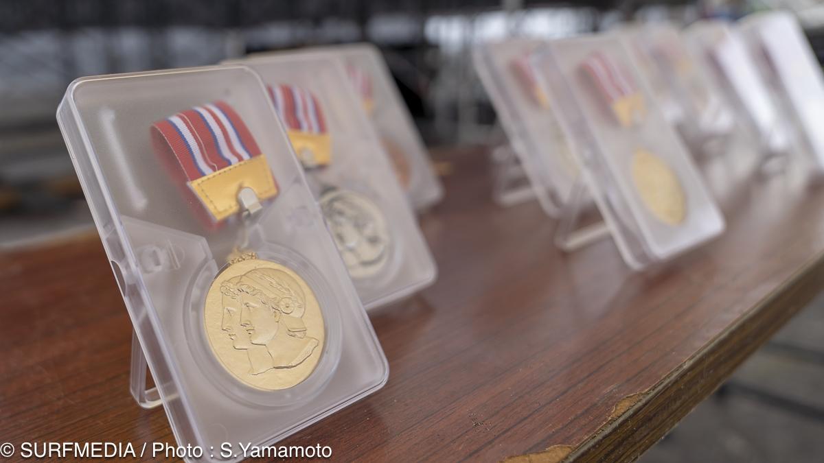 入賞者にはメダルを贈呈