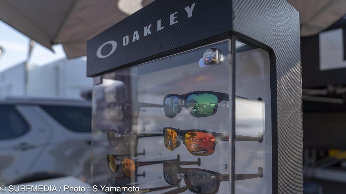 oakley-736664