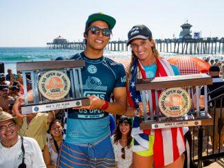 優勝したコートニー・コンローグ(USA)とカノア五十嵐(JPN)© WSL / Morris