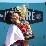 鈴木彩加が日本人として史上初のボディボード世界チャンピオンになる。最終戦で大原沙莉は準優勝