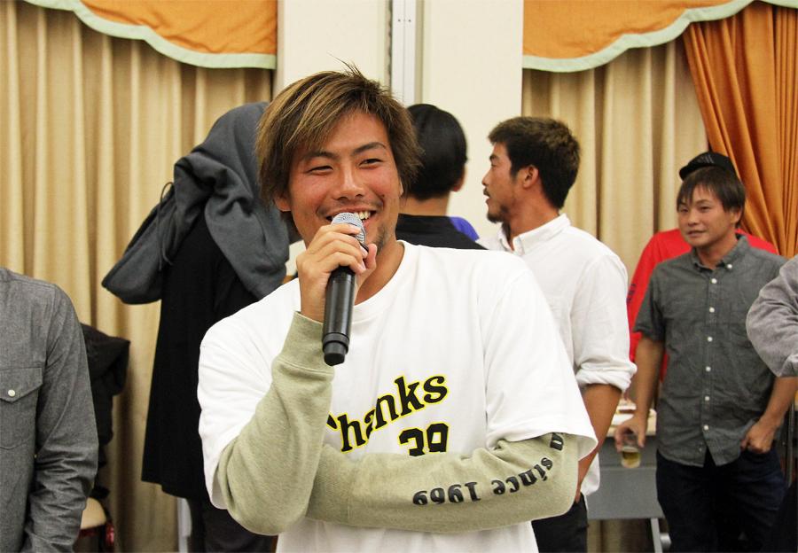 日本のプロサーフシーンを引っ張り、夢を与えてくれてありがとうございます。 これからもコーチとして宜しくお願いしますと稲葉玲王が言った。