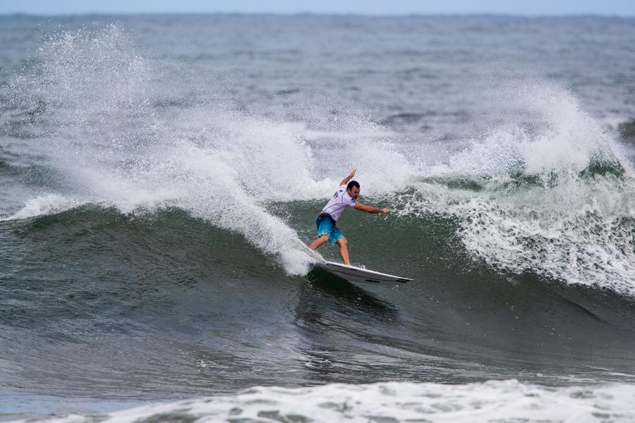 パーコらしいサーフィンで勝利をつかんだ。ジョエル・パーキンソン Photo: WSL / Heff