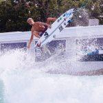 Rip Curl チームに加わった、ハワイの新鋭、15歳のルーク・スワンソンが見せる驚愕のエアマニューバー