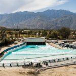 カリフォルニアのパームスプリングスに建設中の最新鋭ウェイブプール「パームスプリングス・サーフクラブ」の最新映像が公開。