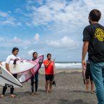 田中樹のサーフィン塾「IZUKI SURF CLUB」の説明会とクラス分け試験が行われ、7月より講習がスタート